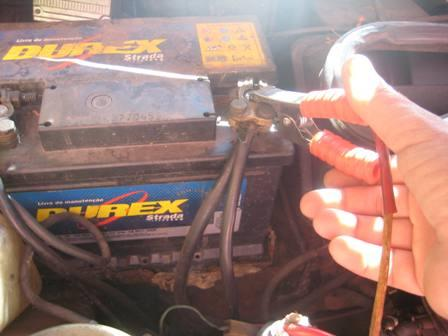 conectar cabo positivo bateria
