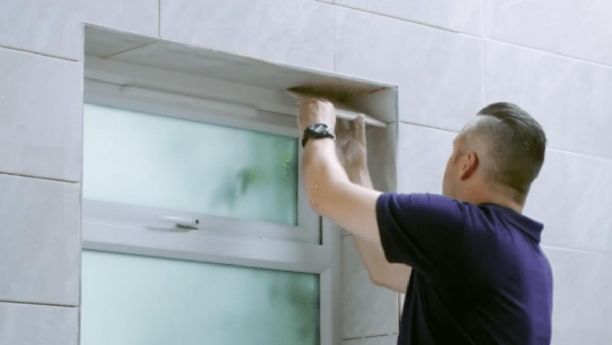 Como colocar azulejos no v o da janela assim que faz for Como colocar azulejo