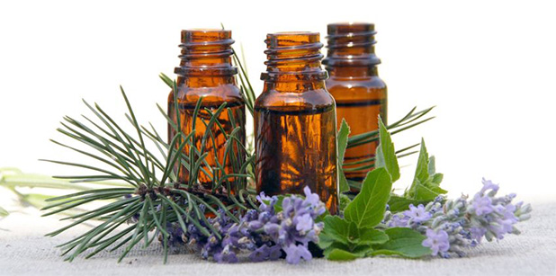 garrafas de óleos essenciais