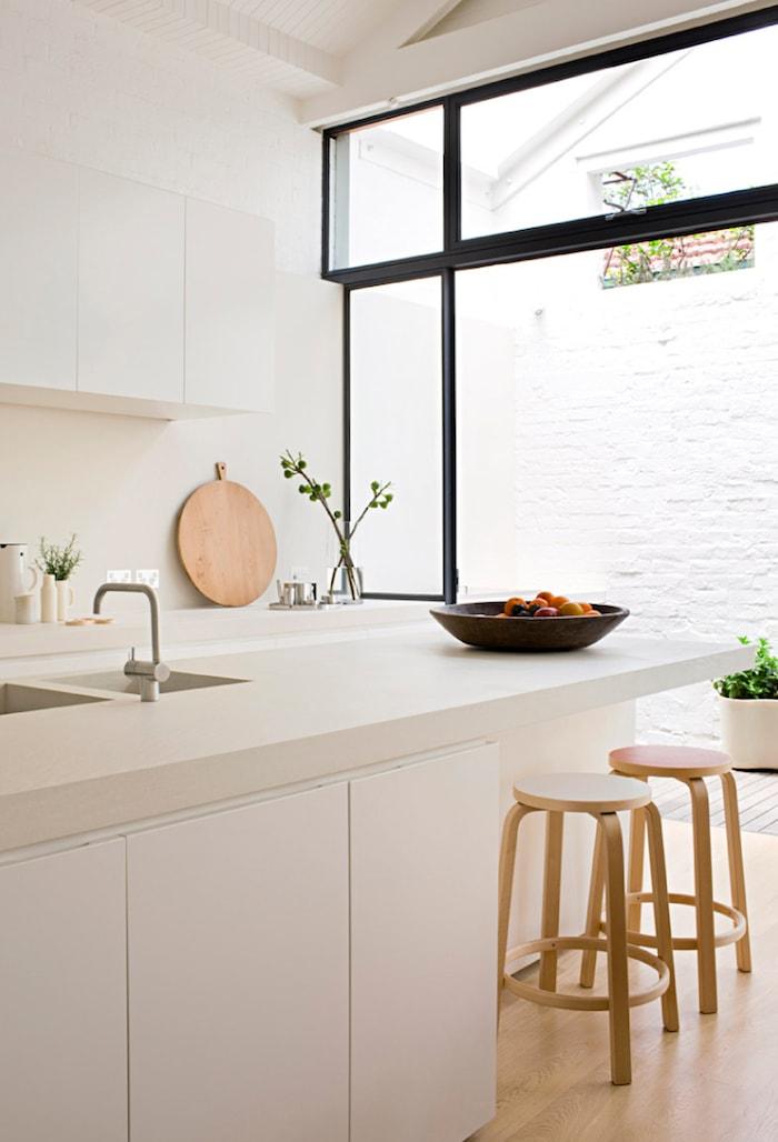 cozinha co decoração minimalista