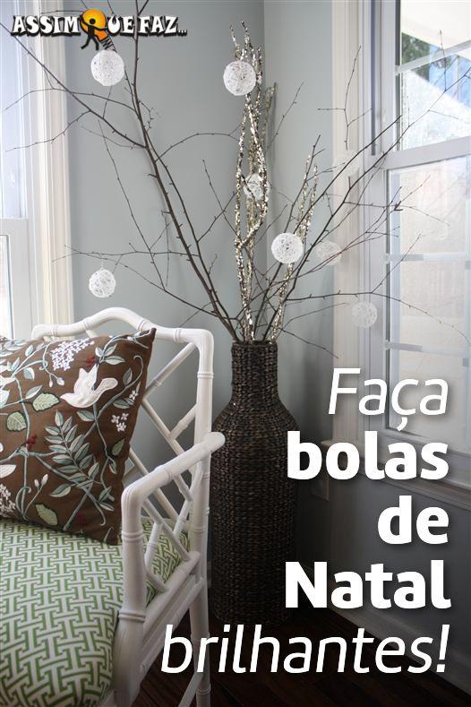 arvore de natal rustica com bolas de corda brilhante