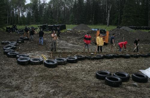 fundação feita de pneus