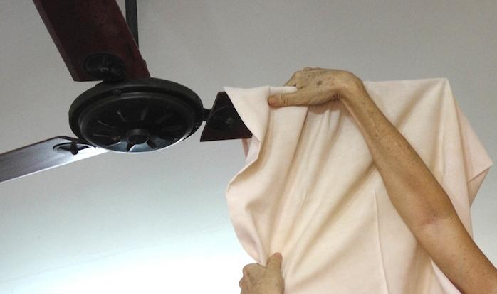 limpando ventilador de teto 2