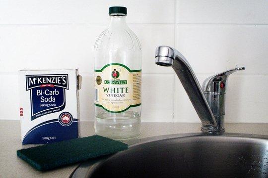 materiais para limpar panela suja