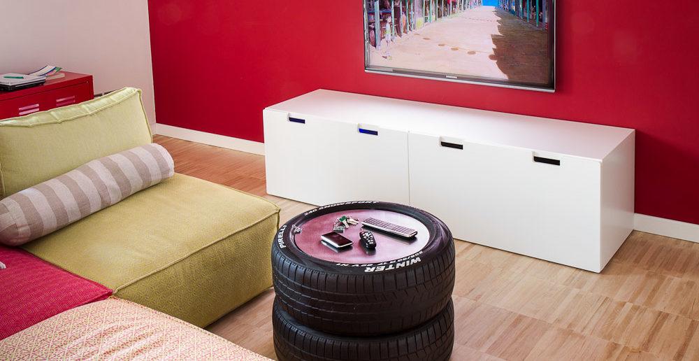 mesinha de centro feita com pneu velho