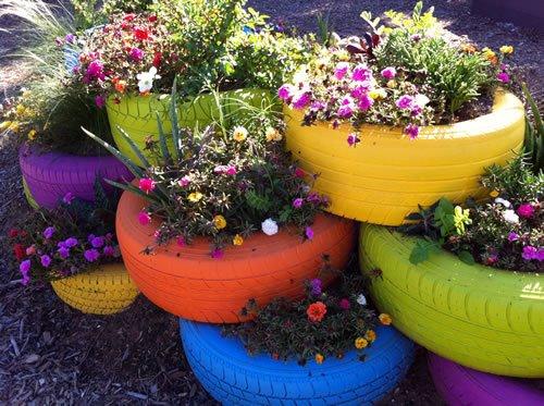 pneu sobre pneu com flores