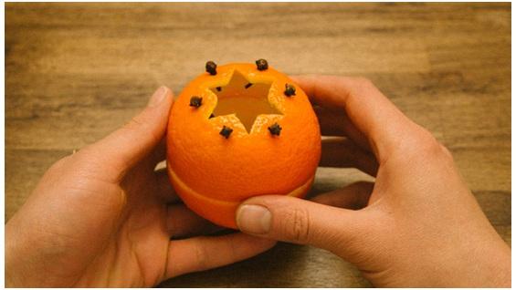 fechando a laranja casca sobre casca