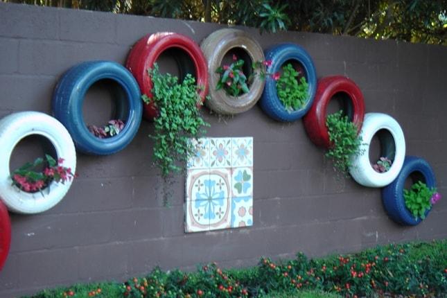 pneus reciclados na parede