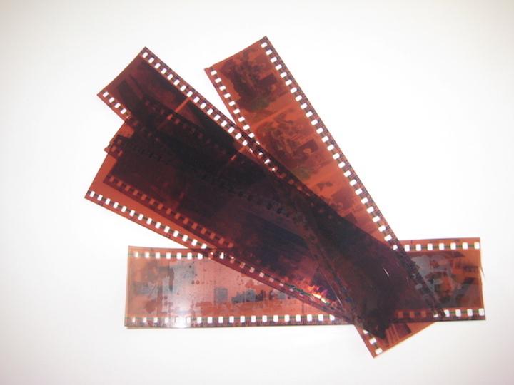 reciclando negativos de fotografias