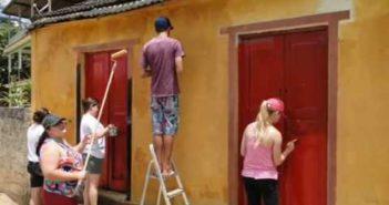 construir casa ecologica e usar tinta natural de terra