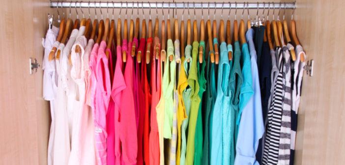 roupas em ordem por cor