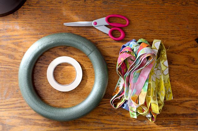 materiais para fazer guirlanda de retalhos