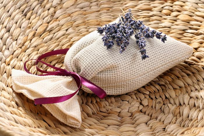 saquinhos de pano perfumado