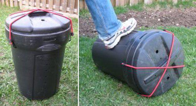 pé de homem rolando barril de plastico
