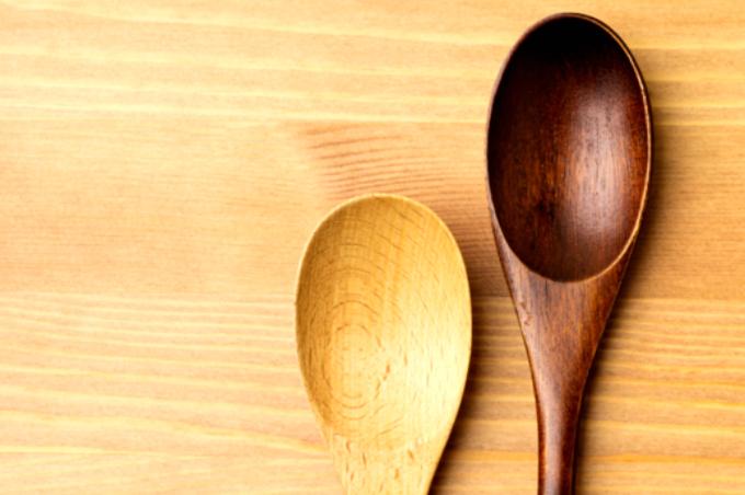 2 colchares de madeira
