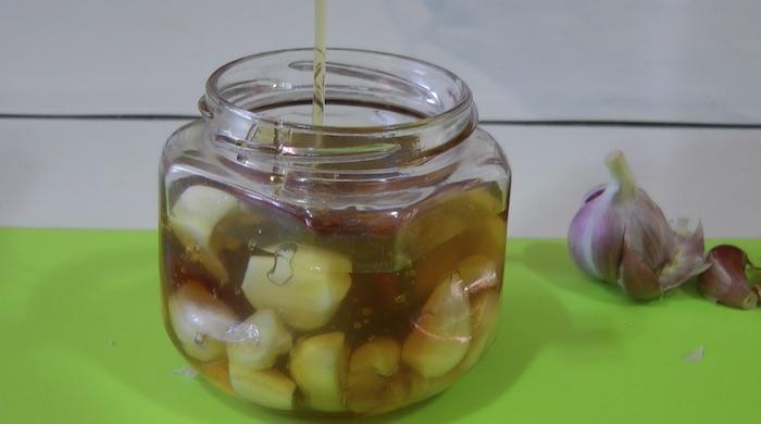 mel com alho
