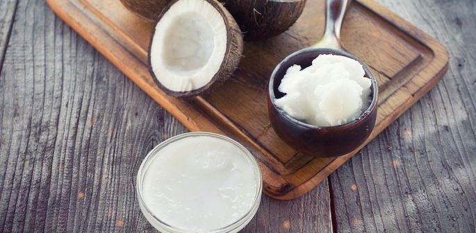 Diferentes maneiras de usar o óleo de coco em casa