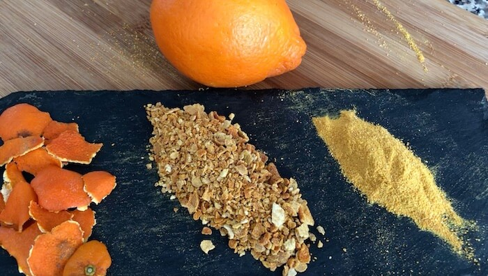 casca de laranja seca e moída